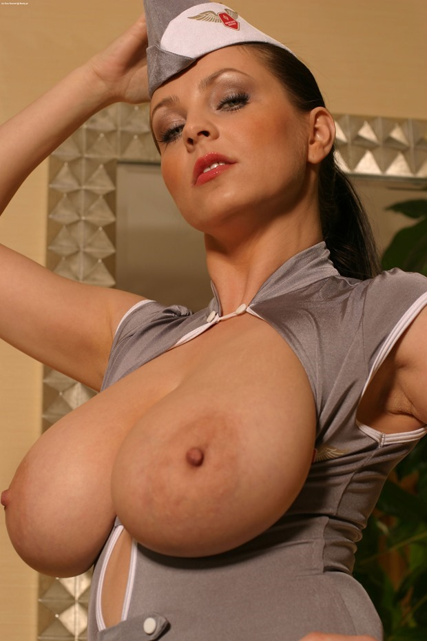 EwaSonnet-busty-boobs-breasts-tits-11